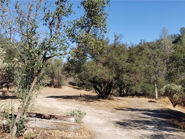 59201 Road 225, North Fork CA: http://media.crmls.org/medias/59837e03-9511-486c-ad25-f838418646f9.jpg