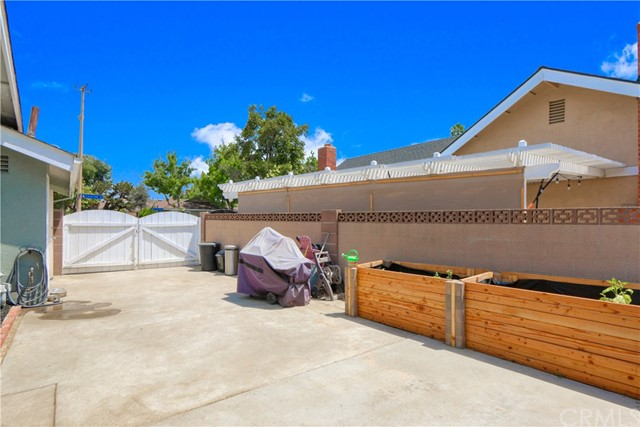448 W Crystal View Avenue Orange, CA 92865 - MLS #: PW18159107