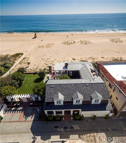 Single Family Home for Rent at 1752 Oceanfront E Newport Beach, California 92661 United States