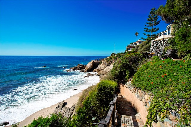 Single Family Home for Sale at 2191 Ocean St Laguna Beach, California 92651 United States