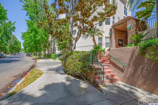 5420 Sylmar Avenue, Sherman Oaks CA: http://media.crmls.org/medias/59ba79e4-8add-469e-83ac-93159ac143b1.jpg
