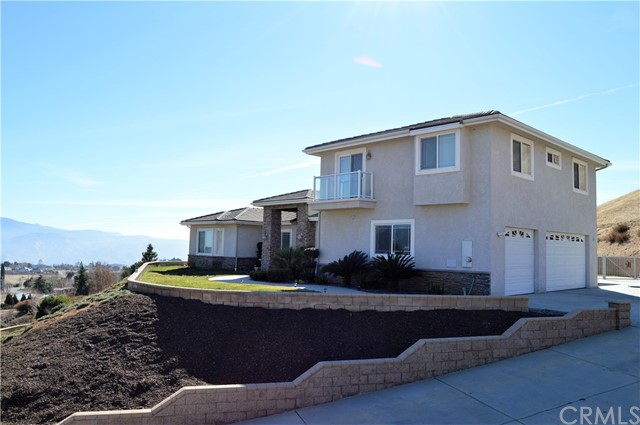 Single Family Home for Sale at 42875 Wingate Drive 42875 Wingate Drive Banning, California 92220 United States