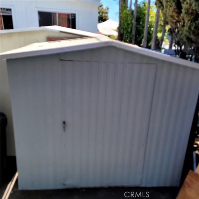 6203 Golden Sands Lane, Long Beach CA: http://media.crmls.org/medias/59d3e3e5-d65f-4e7f-94f9-2fabae61db23.jpg