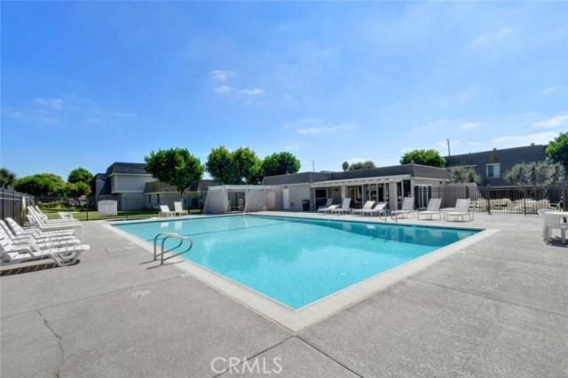 2147 W Banbury Cr, Anaheim, CA 92804 Photo 25