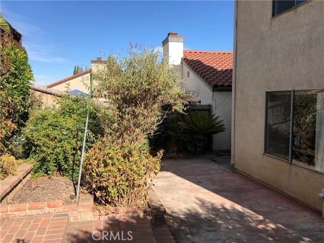 9740 Woodleaf Drive, Alta Loma CA: http://media.crmls.org/medias/59f693b4-aafa-4f61-a9dc-38d77ca10dba.jpg