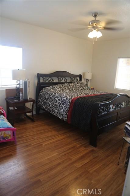 14794 Columbine Street, Victorville CA: http://media.crmls.org/medias/59f6cf6e-1367-4d3f-8f3d-4c6184c1c56a.jpg