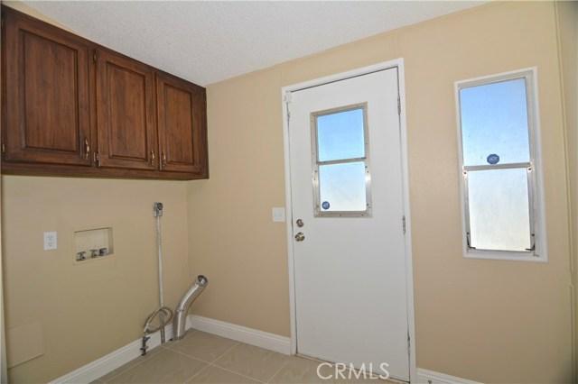 7344 Saratoga Road, Phelan CA: http://media.crmls.org/medias/59fc0888-794d-4d8c-abb3-6fad505b81a6.jpg