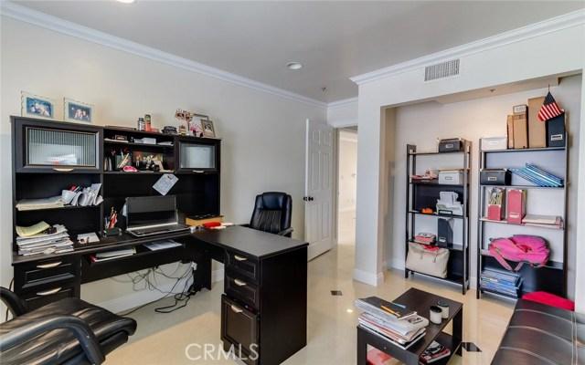 409 W Lincoln Avenue, Montebello CA: http://media.crmls.org/medias/5a032300-6d7f-48e7-b19b-d7359b429c1b.jpg