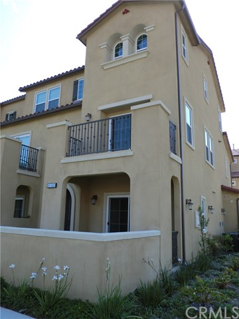 Townhouse for Rent at 10580 Acacia Lane Santa Fe Springs, California 90670 United States