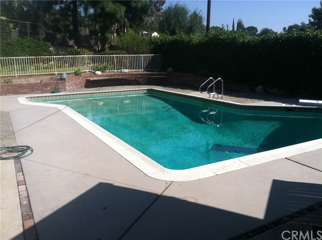 851 Knox Place Claremont, CA 91711 is listed for sale as MLS Listing AR18257397