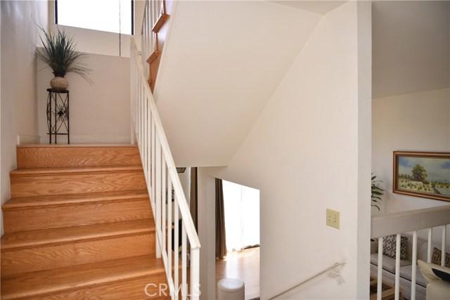 230 N Sierra Vista Street, Monterey Park CA: http://media.crmls.org/medias/5a207ef1-2b2a-4bc1-a8c1-795ae7daae8f.jpg