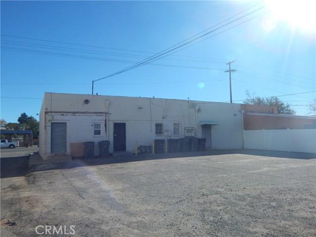 975 Beaumont Avenue, Beaumont CA: http://media.crmls.org/medias/5a225c9a-260d-4a88-bd19-c8cdc639b437.jpg