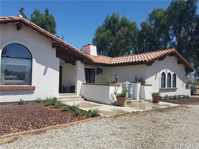 Photo of 33810 Milan Road, Winchester, CA 92596
