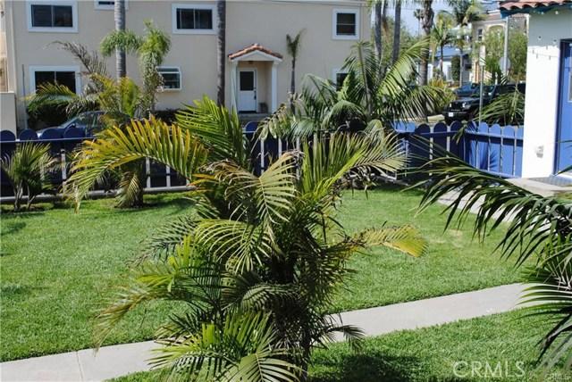 704 B California Street, Huntington Beach CA: http://media.crmls.org/medias/5a3387a8-25d2-4849-ae64-d1db4b377a35.jpg