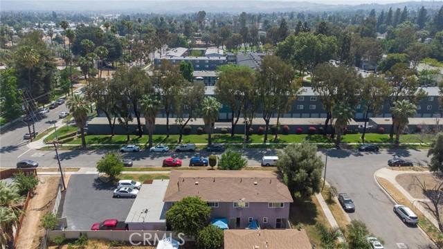 135 Cook Street, Redlands CA: http://media.crmls.org/medias/5a3e5c63-d50d-4bb5-af54-7b39465e20a9.jpg