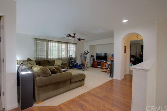 2057 Canon Persido Court, Atwater CA: http://media.crmls.org/medias/5a43a5a2-9c0f-48ad-914b-b2c1652b15ae.jpg