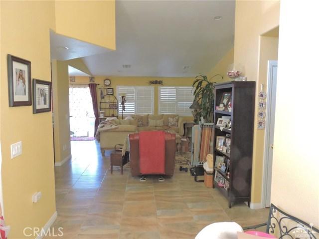 57130 Selecta Avenue, Yucca Valley CA: http://media.crmls.org/medias/5a4dc18f-e2a4-48d7-bfdb-186459c4c164.jpg
