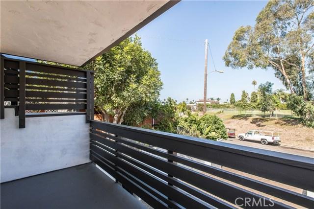 229 W El Portal, San Clemente CA: http://media.crmls.org/medias/5a4fddee-90cf-43d7-af87-11abc7a8e0a6.jpg