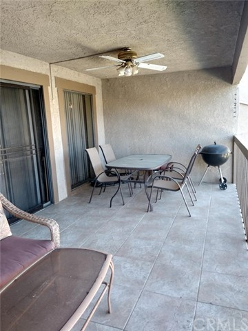 30150 YELLOW FEATHER DR, CANYON LAKE, CA 92587  Photo 6
