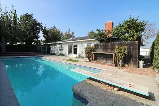 1022 E Chestnut Avenue, Orange CA: http://media.crmls.org/medias/5a83475a-3ce1-4897-9c01-1922027f5b49.jpg