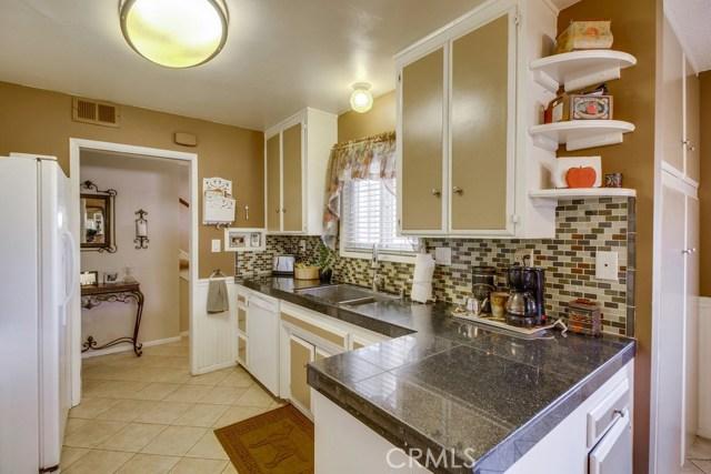 12682 Poplar Street, Garden Grove CA: http://media.crmls.org/medias/5a896773-8756-4a7a-8099-fae781faad96.jpg