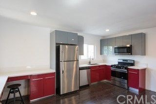 1321 W 36th Place, Los Angeles CA: http://media.crmls.org/medias/5a9712ea-b782-42ec-b4c3-1543d546f6bc.jpg