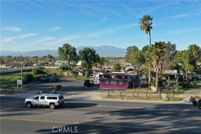 607 6th Street, Norco CA: http://media.crmls.org/medias/5a9973ec-e2d6-42b6-9fc7-2a5a8906ed96.jpg