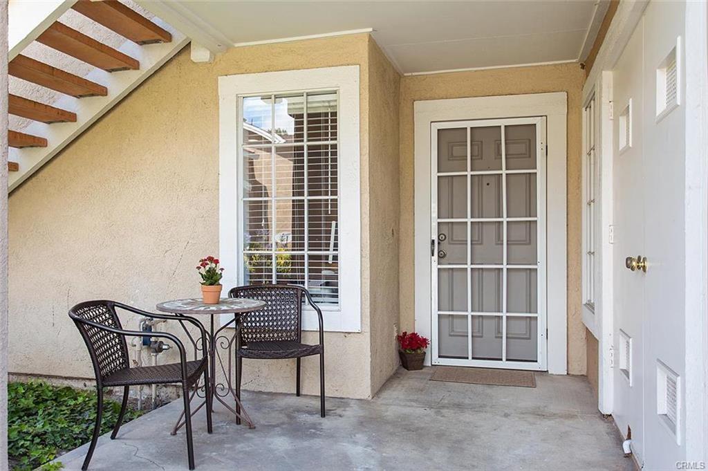 4 Woodleaf, Irvine, CA 92614 Photo 2