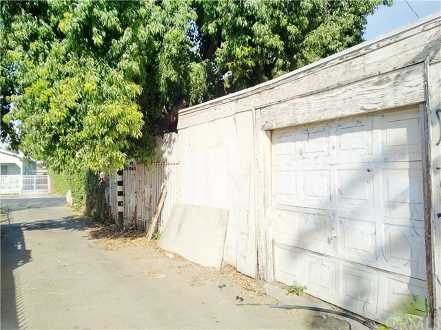 Additional photo for property listing at 1630 E 43rd Street 1630 E 43rd Street Los Angeles, California 90011 United States