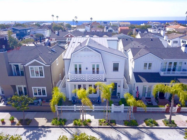 Single Family Home for Sale at 2039 Seville Avenue 2039 Seville Avenue Newport Beach, California 92661 United States