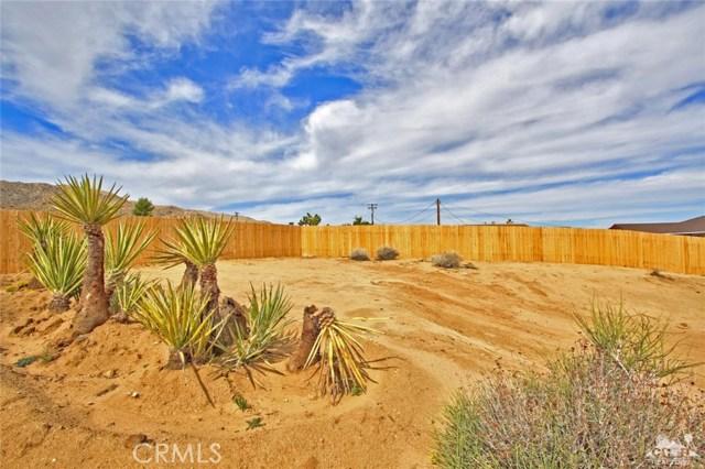 61755 Navajo, Joshua Tree CA: http://media.crmls.org/medias/5ac28bba-3b1d-4162-9013-7f3ad990fdab.jpg