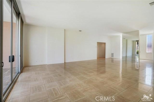 47043 Arcadia Lane, Palm Desert CA: http://media.crmls.org/medias/5ac47618-6504-4fa4-a6d3-3ecc64122b8c.jpg