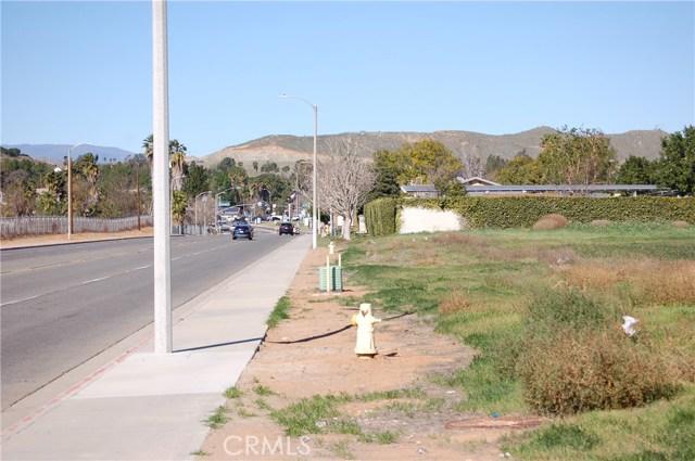 6320 Clay Street, Jurupa Valley CA: http://media.crmls.org/medias/5ad8f895-6ac8-4166-886c-7ac96214ac6e.jpg