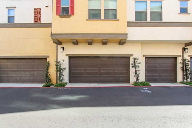 3830 W KENT Avenue, Santa Ana CA: http://media.crmls.org/medias/5adc4756-7888-439c-8784-560082b7eaf2.jpg