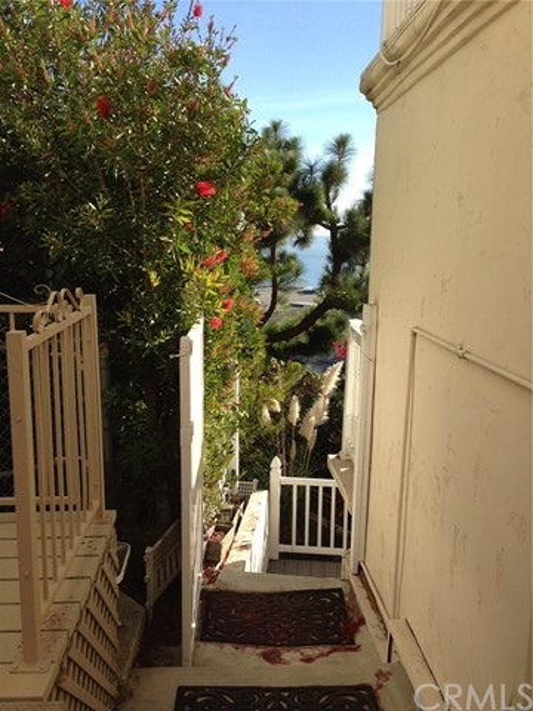 2518 Encina Way Unit B Lower Level Laguna Beach, CA 92651 - MLS #: OC18046680