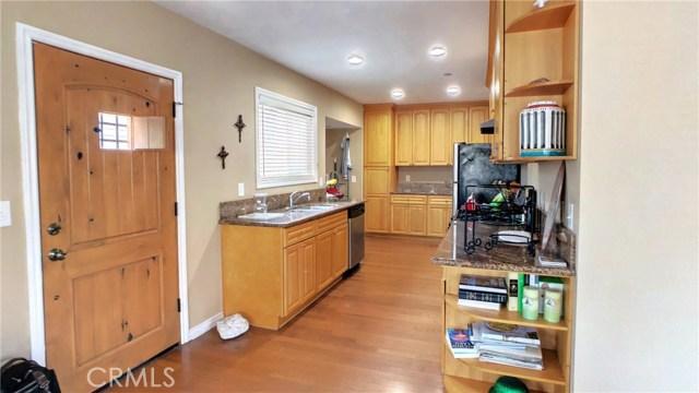 212 Catalina Avenue, Avalon CA: http://media.crmls.org/medias/5ae7fe9d-dc00-455c-af95-9b3e07a58046.jpg