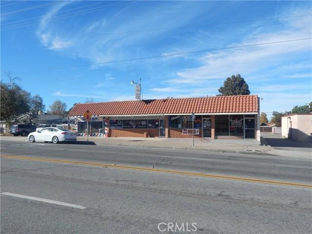 975 Beaumont Avenue, Beaumont CA: http://media.crmls.org/medias/5aea3a9f-eb0a-4482-a14e-55d379fcb848.jpg