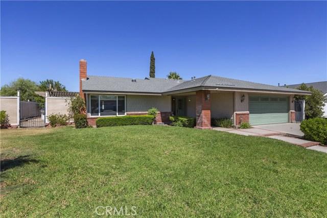 805 Cottonwood Street, Corona CA: http://media.crmls.org/medias/5aea5070-5a8c-4e9e-9151-f35f6d9dbcd5.jpg
