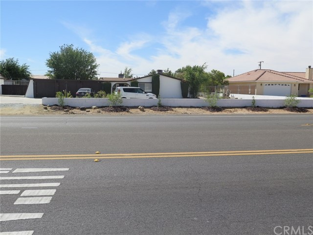 13240 Kiowa Road Apple Valley, CA 92308 - MLS #: CV18075622