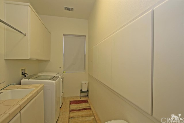 104 Loch Lomond Road, Rancho Mirage CA: http://media.crmls.org/medias/5af8fc1c-f0e5-4db3-a9b3-e578ece57641.jpg