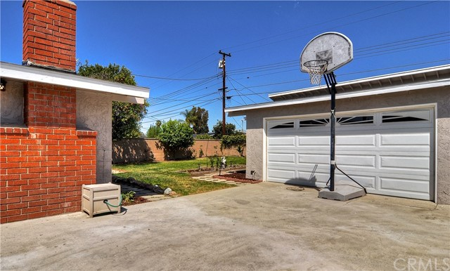 1317 W Castle Av, Anaheim, CA 92802 Photo 21