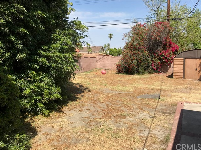 9654 Saloma Avenue, North Hills CA: http://media.crmls.org/medias/5b079fbc-3641-499b-9a00-5317189d8066.jpg