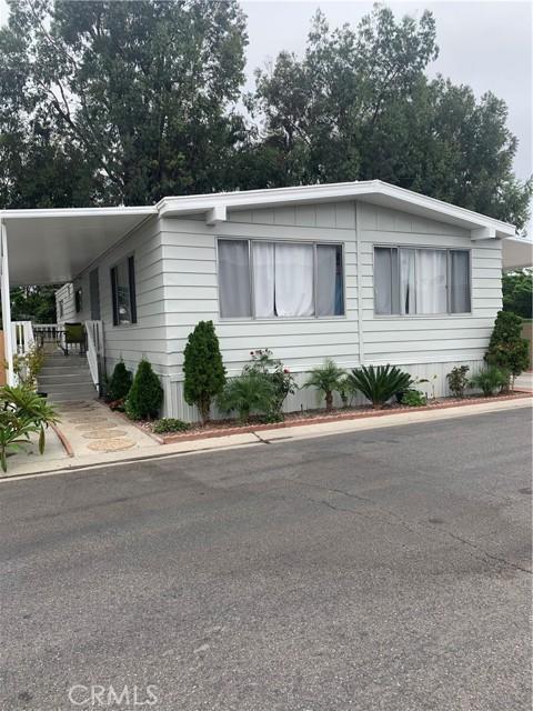 3101 S Fairview Street, Santa Ana CA: http://media.crmls.org/medias/5b09fdf3-f004-46d8-89ba-938bd1e89e31.jpg