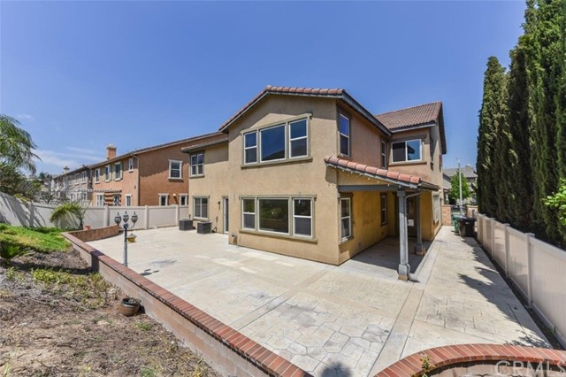 7605 Shadyside Way, Eastvale CA: http://media.crmls.org/medias/5b11eaf3-6a4d-47e8-bfcd-8dff468a82af.jpg