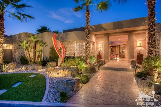 Photo of home for sale at 6 Avenida Andra, Palm Desert CA