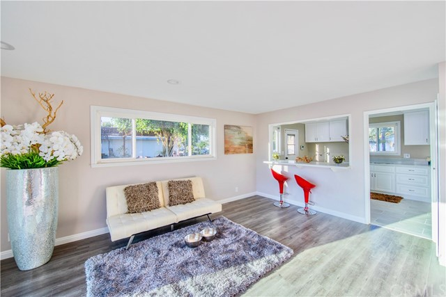 221 S Vine Avenue, Fullerton CA: http://media.crmls.org/medias/5b21d51c-9545-4eff-99d6-ca0c05c3d947.jpg
