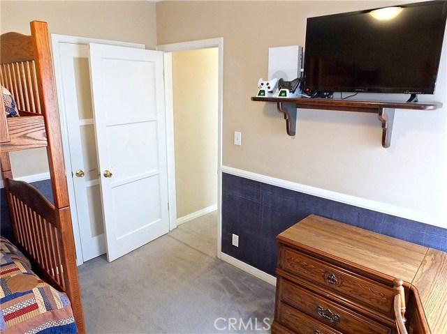 5943 Eastbrook Avenue, Lakewood CA: http://media.crmls.org/medias/5b256f15-75ac-407b-917b-fc7d7db5dc1a.jpg