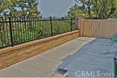 321 Tall Oak, Irvine CA: http://media.crmls.org/medias/5b260f48-1658-4db2-98f3-3167237fc903.jpg