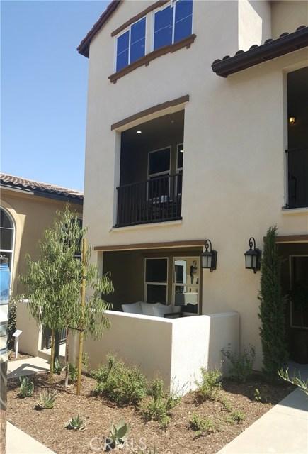 1530 First Street 18, Santa Ana, CA, 92704