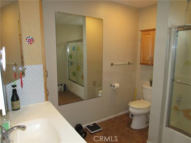 2104 Continental Avenue, Costa Mesa CA: http://media.crmls.org/medias/5b38e249-b7e7-4899-ac66-fa6ce615f932.jpg